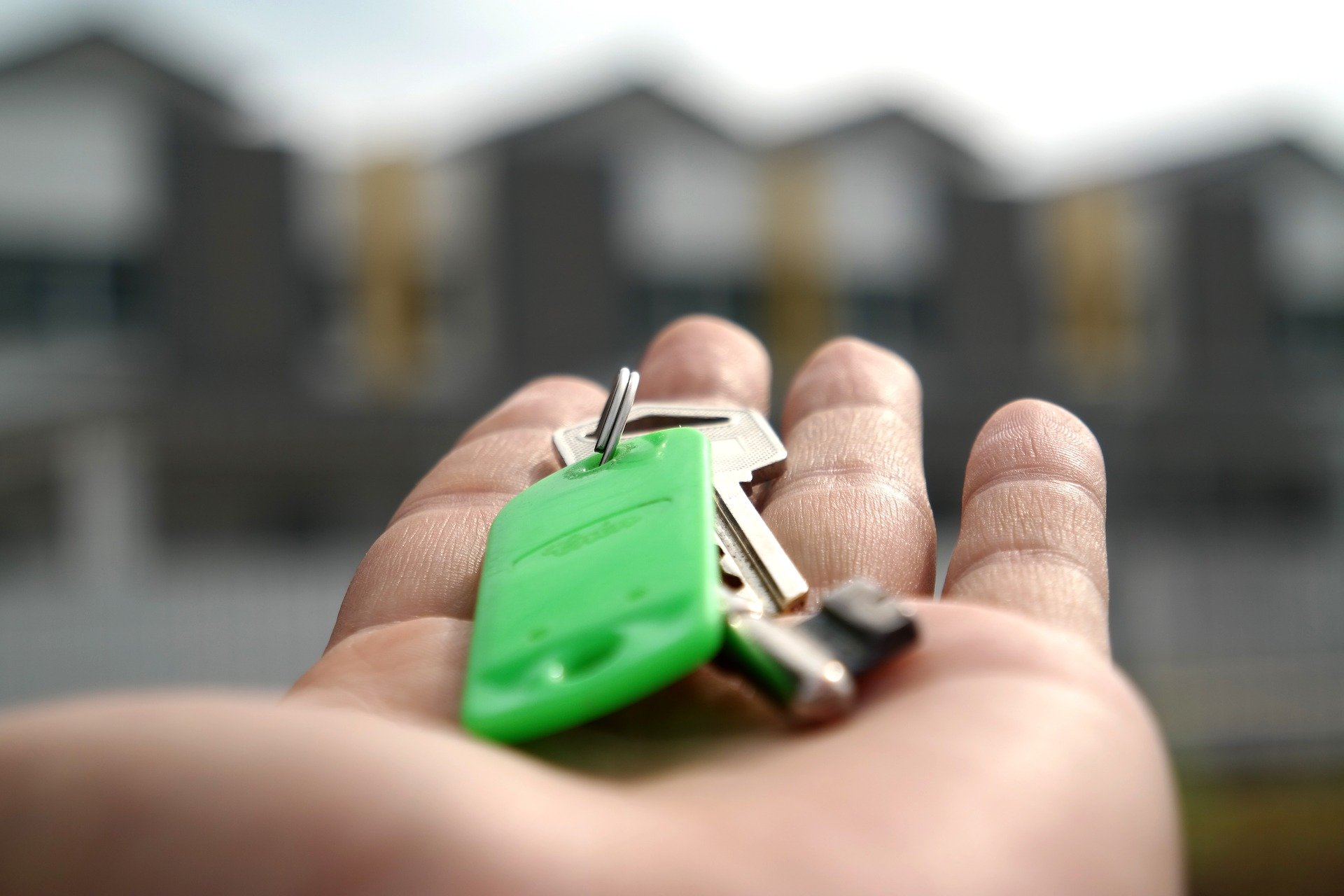 keys to a rental home protected by renters insurance